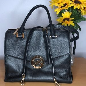 👜 Michael Kors Black Purse